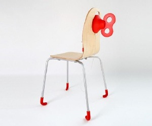 Wind-up-chair-that-charges-your-smartphone-m