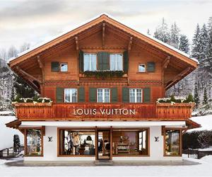 Louis Vuitton Winter Resort Boutique