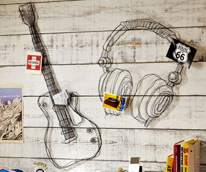 Wire-music-decor-m