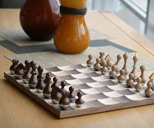 Wobble Chess Set by Adin Mumma