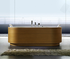 Wood Paneled Tub from BluBleu