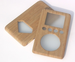 Wooden-ipod-cover-m