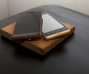 Worlds-first-bamboo-android-smartphone-by-adzero-m