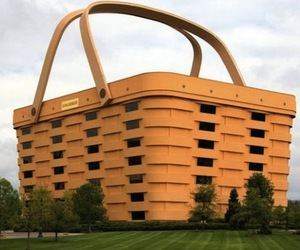 Worlds-largest-basket-at-longaberger-company-m