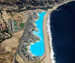 Worlds-largest-swimming-pool-m