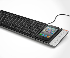 Wow-keys-iphone-keyboard-dock-by-omnio-m