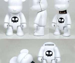 X-toy2r-qee-flash-drive-m