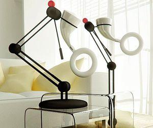 Zen-lamp-generates-its-own-energy-m