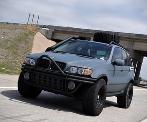 Zombie-proof-bmw-x5-fmu-m