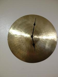 Cymbal clock