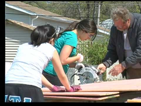 Greek House: Fraternities and Sororities Build a Habitat House
