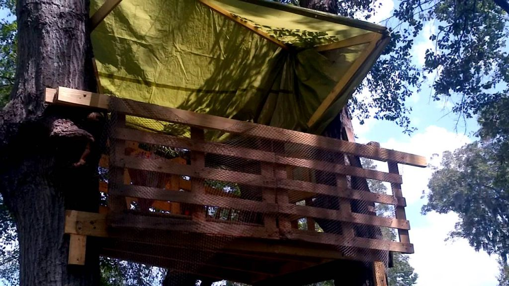 Tree House made from pallets