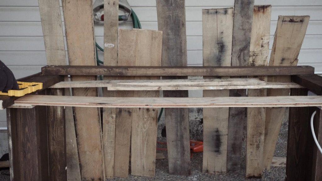 DIY Pallet Desk Build