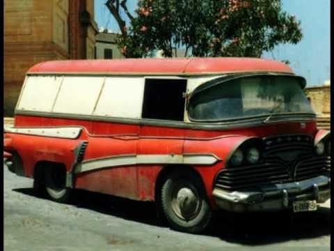 Homemade Houseboats & Creepy Vans!