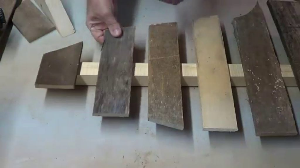How to make a Pallet Christmas Tree out of Scraps