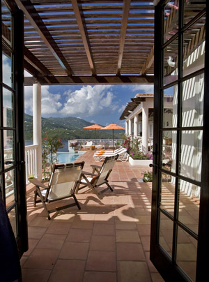 CasaLupaBR2PoolDeckView.jpg