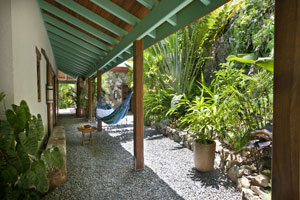 MooncottageGardenCourtyard.jpg