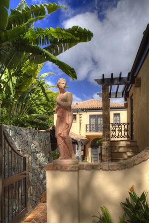SS-Rivendell-Statue.jpg