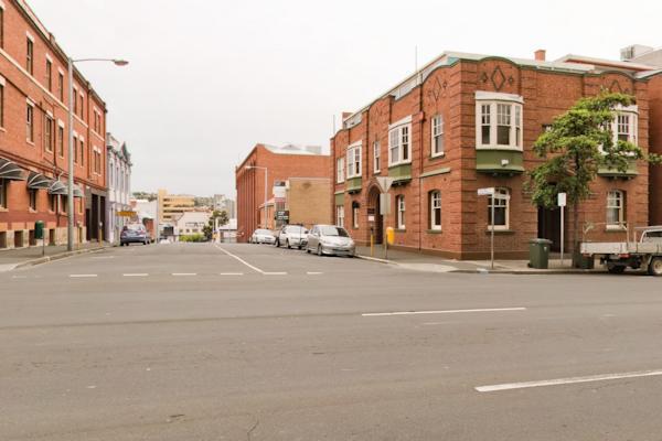 Cnr Victoria St & Macquarie St