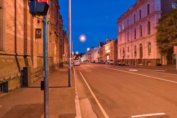 Cnr St John St & Cameron St