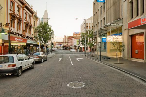 Brisbane St