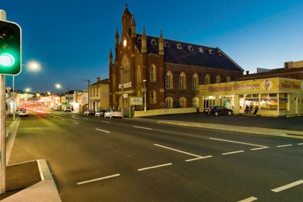 Cnr Brisbane St & Wellington St