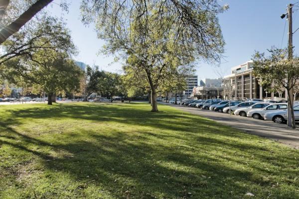 Hindmarsh Square
