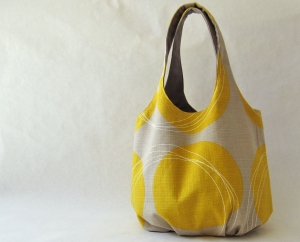 Tote bag - mustard circles on taupe