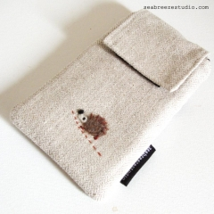 Smartphone case - herringbone with headgehog