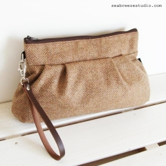 Wristlet - brown wool herringbone
