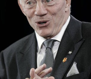 Dallas-Cowboys-owner-Jerry-Jones-answers-a