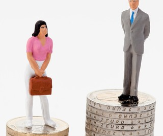 © Ginasanders | Dreamstime.com - Gender Differences In Salaries Photo