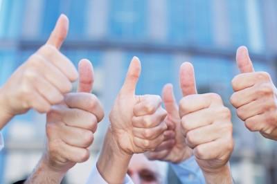 thumbs up team