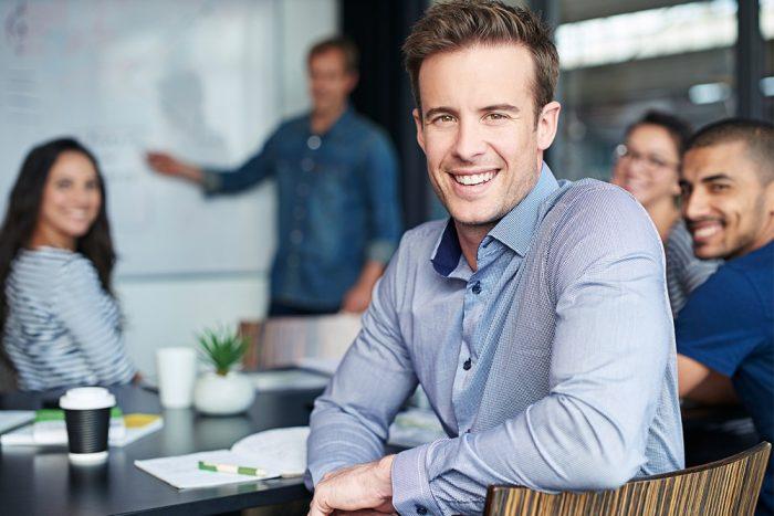 Cerdian - inarticle jpg smiling employee_0712