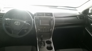 Toyota Camry LE Blanco 2015