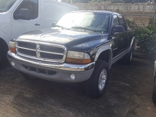 DODGE DAKOTA 2000