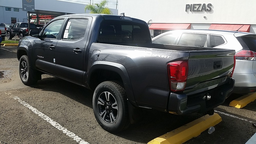 toyota tacoma trd sport gris oscuro 2017 para compra venta en arecibo vehiculos en. Black Bedroom Furniture Sets. Home Design Ideas