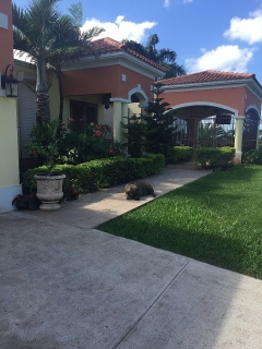 Casa con terreno y zen
