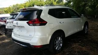Nissan Rogue SV Blanco 2017