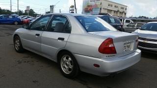 Mitsubishi Mirage DE Plateado 2001