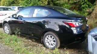 Toyota Yaris Sedan Negro 2017