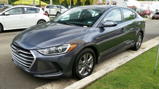 Hyundai Elantra GL Gris Oscuro 2017