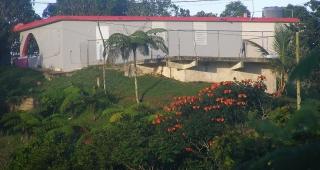 Se vende casa con cinco cuerdas en Sabana, Orocovis