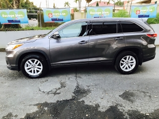 Toyota Highlander Le Gris Oscuro 2016