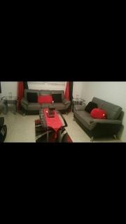 muebles y mesas en buenas condiciones