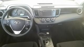 Toyota RAV4 LE Plateado 2016