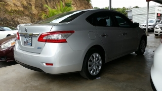 Nissan Sentra S Plateado 2014