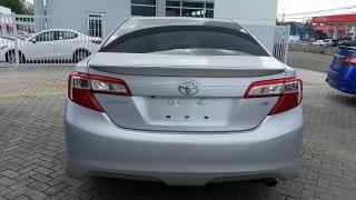 Toyota Camry SE Plateado 2014