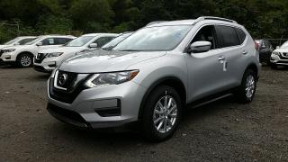 Nissan Rogue SV Plateado 2017