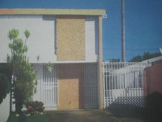 Por Plan 8 en Villas de Castro, Caguas